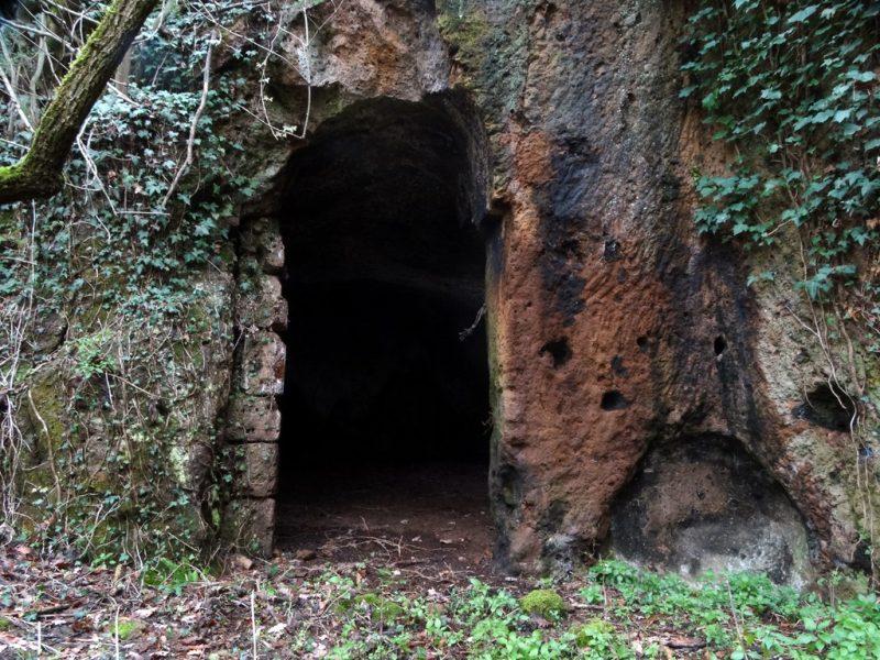 Grotte Del Tegolaro